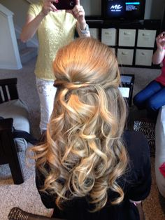 Www.BeautyCoutureInc.com  Half up half down wedding hair. Sexy updos.