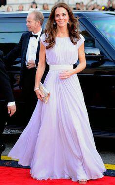 The Kate Middleton lavender prom dresses for sale. The custom Kate Middleton 2011 BAFTA red carpet dresses are sold at cheap prices. Vestidos Kate Middleton, Moda Kate Middleton, Looks Kate Middleton, Kate Middleton Wedding, Princesa Kate Middleton, Princess Kate, Real Princess, Princess Katherine, Long Prom Dresses