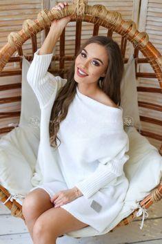 Biely dámsky overisze sveter Models, Cover Up, Uni, Tops, Dresses, Fashion, Colour, Templates, Vestidos
