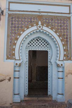 Oujda, Marrocos @ Viaje Comigo Gate, Entrance, Oriental, Layout, Doors, Mirror, Country, Places, Style