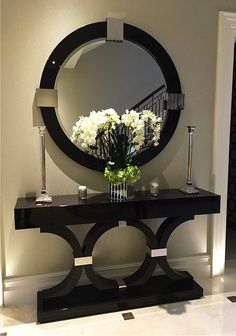 6 Luxury Entryway decoration ideas from interior design experts Insplosion. Read more here and turn your new foyer into a luxury entryway! Entrance Decor, Entryway Decor, Entryway Tables, Entrance Ideas, Decorate Console Tables, Console Table Decor, Hallway Table Decor, Hall Tables, Narrow Console Table
