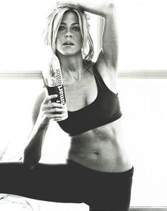 Jennifer Aniston. Women's Smart Watches for Sport, Fitness and Fashion - http://amzn.to/2jYX1qx