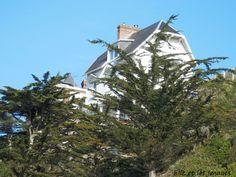 maison en haut de la falaise de Granville