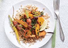 Chermoula is a textured North African marinade made of herbs, oil, and lemon juice. Here, it makes a fresh and fragrant topping for roasted carrots. Veggie Dishes, Savoury Dishes, Vegetable Recipes, Side Dishes, Vegetarian Appetizers, Vegetarian Recipes, Healthy Recipes, Snacks Recipes, Vegan Meals