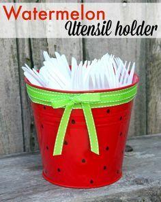 http://www.kitchenstyleideas.com/category/Utensils/ Watermelon Utensil Holder | TodaysCreativeBlog.net