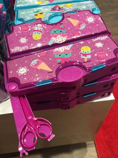 Harrogate Smiggle Store - perfect for gifts for primary school age children. Smiggle Pencil Case
