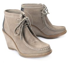 Hush Puppies style Cignet Wedge Wallaby