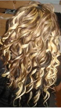 want my hair to do this! also like the dark highlights with blonde and carmel color by britt13