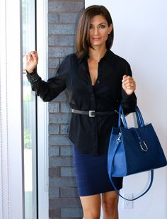 Classic // Navy Dress // Timeless // One Outfit Multiple Ways // Karolina Zmarlak // Herve Leger Sarai in Pacific Blue // Blue Handbag // LAGGO // LIBERTÉ