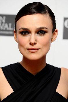 "Red Carpet: [link url=""http://www.glamourmagazine.co.uk/celebrity/biographies/keira-knightley""]Keira Knightley[/link]"