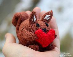 E-book Strickanleitung Eichhörnchen mit Herz // ebook knitting tutorial squirrel with heart via DaWanda.com