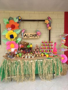 aloha party 68 Ideas For Skirt Ideas Party Hawaiian Theme Party Decorations, Luau Theme Party, Hawaiian Party Decorations, Tiki Party, Party Themes, Hawaiin Theme Party, Laua Party Ideas, Luau Table Decorations, Hawaiian Decor