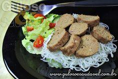 Procura um #almoço simples, rápido, saudável e econômico? O Salsichão de Carne Moída é delicioso e na minha opinião, só tem vantagens!  #Receita aqui: http://www.gulosoesaudavel.com.br/2013/03/13/salsichao-carne-moida/