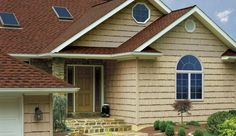 Vinyl siding is although durable, could get damaged because of extreme weather conditions. The blog post discusses the steps to replace the damaged sidings.