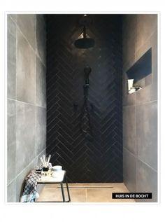 Bathroom interior 245024035964540489 - Bathroom mirror black tile 24 best ideas Source by lkimminn Black Tile Bathrooms, Bathroom Mirrors Diy, Modern Bathroom, Small Bathroom, Black Bathroom Floor, Shower Bathroom, Mirror Tiles, Downstairs Bathroom, Dream Bathrooms