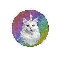 Extreme Largeness. Een gekleurde badge met een afbeelding van een eenhoorn kat. Diameter: 2,5 cm.