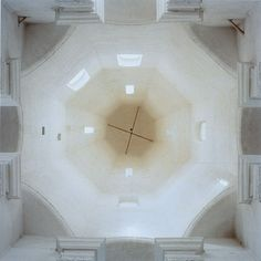 Church of the Ascension, Kolomenskoe, Moscow, 2000  photo by DAVID STEPHENSON