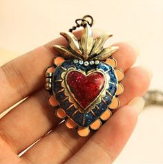 vintage long chain heart pendant rhinestone locket necklace