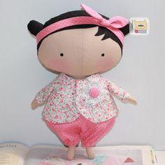 Casa Chervezhonka: Costura til Cutie: uma master class sobre o corpo. Doll Sewing Patterns, Sewing Dolls, Sewing Clothes, Master Class, Doll Toys, Baby Dolls, Tilda Toy, Waldorf Dolls, Stuffed Animal Patterns