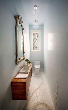 Una gallery ricca di ispirazione e dritte (ben 23!) per arredare un bagno lungo e stretto, un post per rivalutare il tanto odiato bagno a fascia!