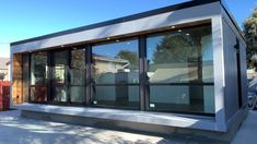 Build Container Home 478859372880684251 - Honomobo permitted as an accessory dwelling unit in San Mateo California. Container Home Designs, San Mateo California, Pavillion, Casas Containers, Container Buildings, Shipping Container Homes, Modern Buildings, Modern House Design, Backyard