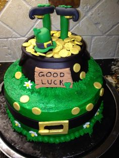 St. Patricks Day cake. Visit us at www.suppliesforcakes.com to get all you need to have a creative St. Patrick´s Day!