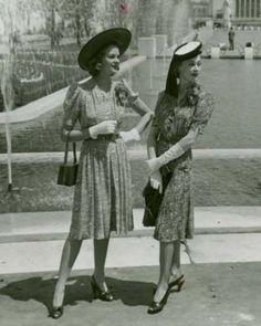 Ladies in 1940s dresses
