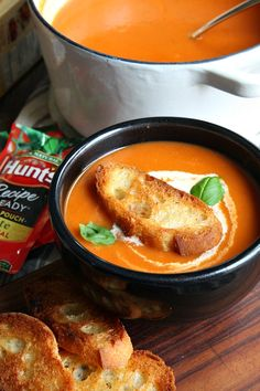 This Creamy Tomato Bisque is an easy soup recipe that is perfect for a quick homemade lunch! Tomato soup is one of my favorite comfort foods on a cold snowy day (Quick Soup Recipes) Quick Soup Recipes, Tomato Soup Recipes, Cooking Recipes, Tomato Soups, Dinner Recipes, Healthy Recipes, Cooking Ideas, Lunch Recipes, Healthy Meals