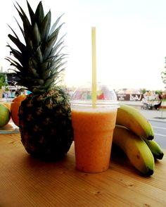 Copacabana (pineapple, banana, strawberries and oranje juice)  Acai bowl, Mamaia, beach, Constanta, fructe, sucuri naturale, sanatate, energie, fresh-uri, smoothies, Brazil.