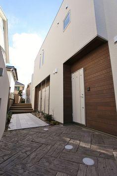 首都圏屈指の人気エリア・自由が丘に誕生した「MyStyle JIYUGAOKA」は、多種多様でハイセンスな自由が丘ゲストに選ばれるアパートです。自由が丘らしくナチュラル&エコを演出し、ゲストを癒しの空間へ誘います。