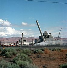 US govt & GE - Hanford Nuclear Weapons site from 1944-71 used water from the Columbia River to dissipate heat produced by nuclear reactors. Pumps drew water from the river, treated, & returned it to the river after 6 hours. Longer-lived isotopes were not affected by retention. Radiation was measured downstream in WA & OR & plutonium separation released radioactive isotopes into the air carried by wind through WA, ID, MT, OR, & BC exposed residents to radionuclides, The US govt kept it…