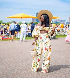 Black women have been setting the standard and trends for decades. Credited or not. See magical black women. Classic Outfits, Chic Outfits, Summer Outfits, Winter Outfits, Summer Chic, Spring Summer Fashion, Black Women Fashion, Womens Fashion, Female Fashion