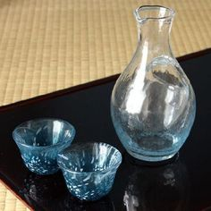 Toyo Sasaki Glass Sake Set - tokkuri and guinomi. Free worldwide shiping from Japan.