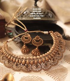 Jewelry Design Earrings, Gold Jewellery Design, Gold Jewelry, Jewelry Necklaces, Bridal Jewellery, Fashion Jewellery, Jewelry Sets, Imitation Jewelry, Indian Jewelry
