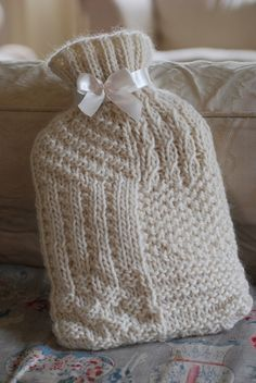 Hot water bottle to keep you warm❤️ Chunky Knitting Patterns, Knitting Kits, Knit Patterns, Bottle Cover, Sister Love, Chunky Yarn, Ravelry, Knit Crochet, Winter Hats