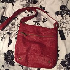 Red crossbody bag New with tags. Never used.  Adjustable strap. Forever 21 Bags Crossbody Bags