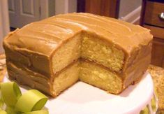 THIS IS A KEEPER. Everyone LOVES Caramel Cake for the holidays! Southern Praline Cake, Buffet Dessert, Nake Cake, Cake Recipes, Dessert Recipes, Dessert Ideas, Cake Ideas, Frosting Recipes, Caramel Icing