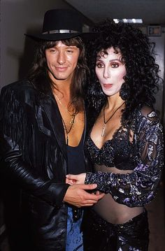 Pin for Later: 66 Celebrity Couples You Most Definitely Forgot About Cher and Richie Sambora Cher and Richie dated for about two years in the Mon Cheri, Divas, Cher Photos, I Got You Babe, Cher Bono, Star Wars, Mtv Videos, Mtv Video Music Award, Music Awards