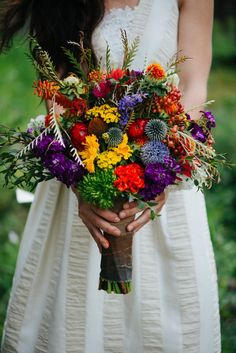 Wild flowers make a gorgeous + bright wedding bouquet. #aromabotanical