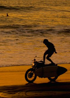 My Favorite Things: the Sea, the Bike, the Board, and Mother Earth for providing another day well lived, well spent (Source: youmightfindyourself)