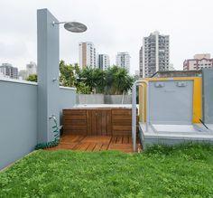 Ampla e aconchegante. Veja: https://casadevalentina.com.br/projetos/detalhes/reforma-sem-medo-476 #decor #decoracao #interior #design #casa #home #house #idea #ideia #detalhes #details #cozy #aconchego #casadevalentina #outdoor #terrace #terraco