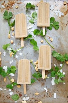 Vegan Thai peanut popsicles with cilantro + lime / Dula Notes Frozen Desserts, Frozen Treats, Vegan Desserts, Vegan Sweets, Vegan Food, Vegan Recipes, Natural Peanut Butter, Creamy Peanut Butter, Slushies