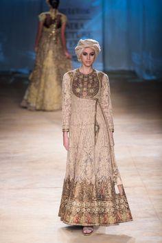 Indian & Pakistani Latest Fashion of Top Designer Fancy Party wear & Stylish Bridal Anarkali Suits for Women Bridal Anarkali Suits, Pakistani Dresses, Indian Dresses, Indian Outfits, Pakistani Bridal, Indian Bridal, Bridal Lehenga, Lakme Fashion Week, India Fashion