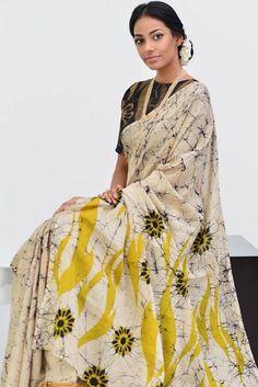 Hand Printed Cotton Mulmul Fabric Saree With Blouse Piece by Trendy's Shop - Online shopping for Sarees on MyShopPrime - Batik Prints, Batik Art, Indian Silk Sarees, Elegant Saree, Saree Look, Printed Sarees, Printed Blouse, Traditional Sarees, Saree Styles