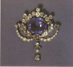 Sapphire brooch of Princess Margaret of Connaught, Crown Princess of Sweden, first wife of the future King Gustaf VI Adolf of Sweden. When her daughter the future Queen Ingrid of Denmark was only 10 years old, Margaret dies & Ingrid inherits the brooch. It later passed to her daughter Margrethe II, Queen Regnant of Denmark. In 2006, Queen Margrethe gave Crown Princess Mary the brooch who first wore it for the christening of her firstborn,  Prince Christian Valdemar Henri John