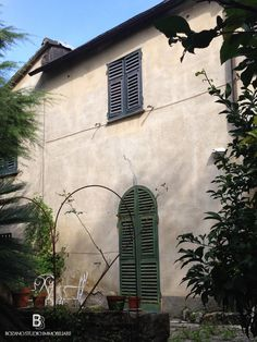 Old #villa for sale in Quarto, nearby Genoa #Italy - 220 sq m: 2 floors, 5 bedrooms, 1 bathroom + available space to add another
