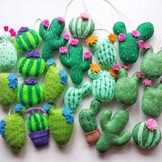 diy flanel MiracleInspiration shared a new photo on Etsy diy felt Cactus Craft, Cactus Decor, Cactus Cactus, Diy Christmas Ornaments, Felt Ornaments, Felt Diy, Felt Crafts, Handmade Crafts, Diy Crafts