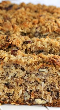 Pecan Coconut Banana Bread Recipe with a crumbly pecan streusel topping! If you're looking for the perfect banana bread recipe, this is it! Coconut Banana Bread, Gluten Free Banana Bread, Banana Bread Recipes, Pecan Desserts, Coconut Desserts, Perfect Banana Bread Recipe, Sweet Cornbread, Banana Dessert, Biscuit Recipe