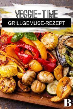 Grillgemüse Rezept. Wir zeigen euch, wie ihr mediterranes Grillgemüse in einer gusseisernen Pfanne zubereiten könnt. Gegrilltes Gemüse macht sich nämlich hervorragend als Beilage zu Steak und Co.! #grillgemüse #gemüse #grillen #vegetarisch Tricks, Grilling, Food And Drink, Veggies, Low Carb, Vegan, Recipes, Chef Recipes, Grilled Veggies