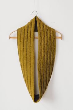 harvest cowl by liz tubman / in quince & co. lark, color honey